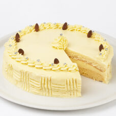 Dreamy Banana Cream Cake