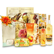 A Luxurious Spa Gift Box - Relaxing Bath Indulgence