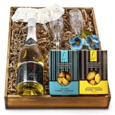 Bride and Groom Wedding Sparkling Wine Gift Set